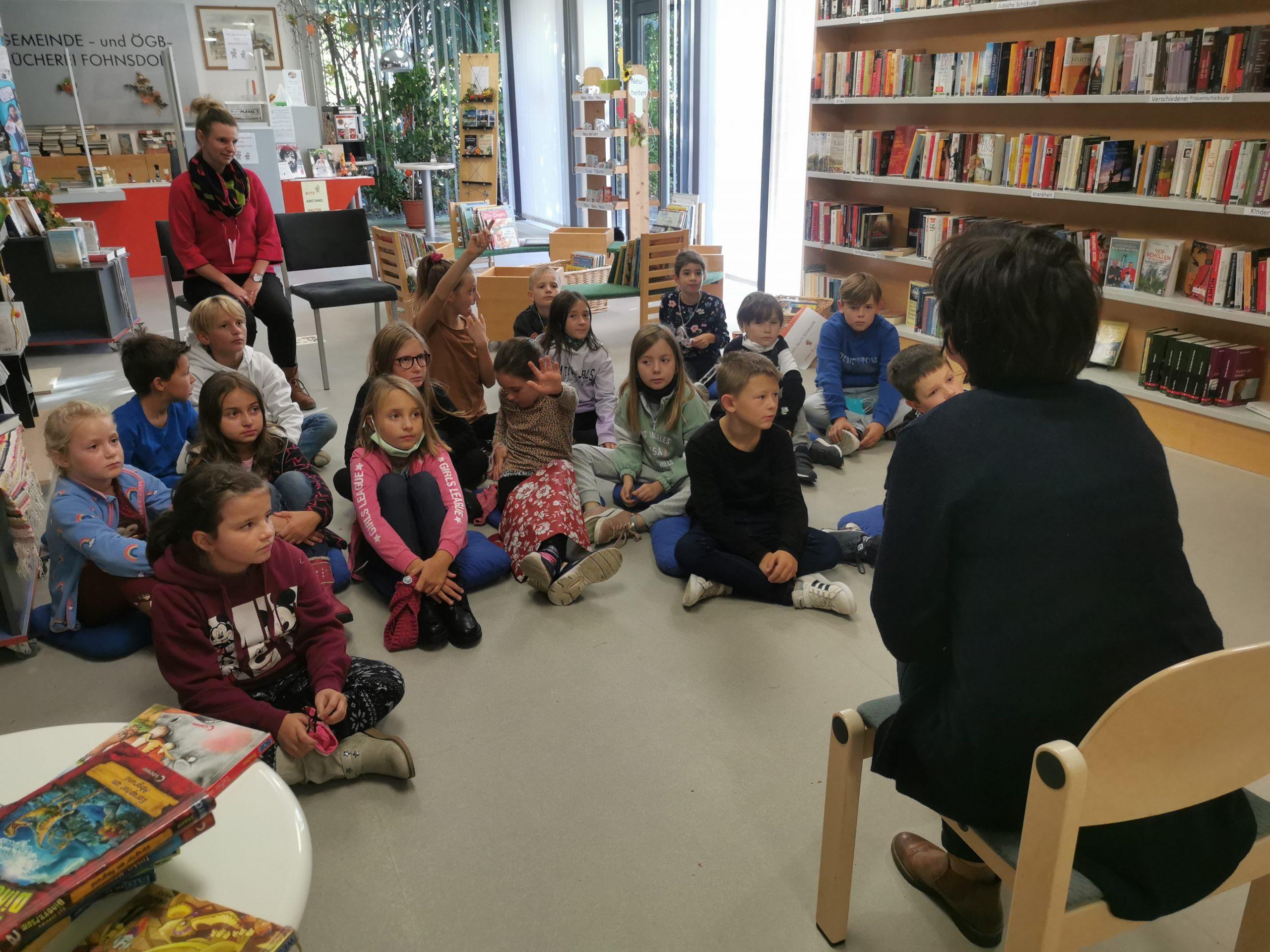 Zu Besuch in der Bücherei